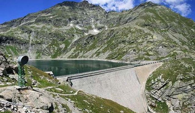 An ordinary Dam with (3)