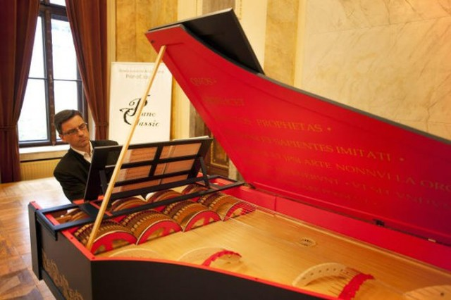 Leonardo da Vinci's instrument plays for the first time