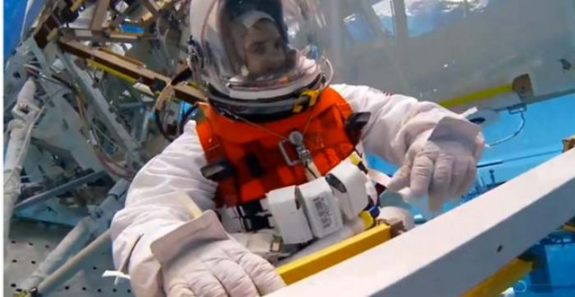 NASA testing lighter space suits for asteroids 1