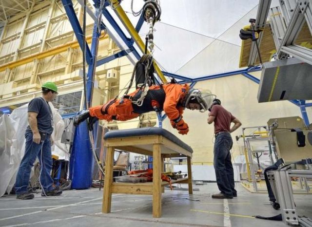 NASA testing lighter space suits for asteroids 3