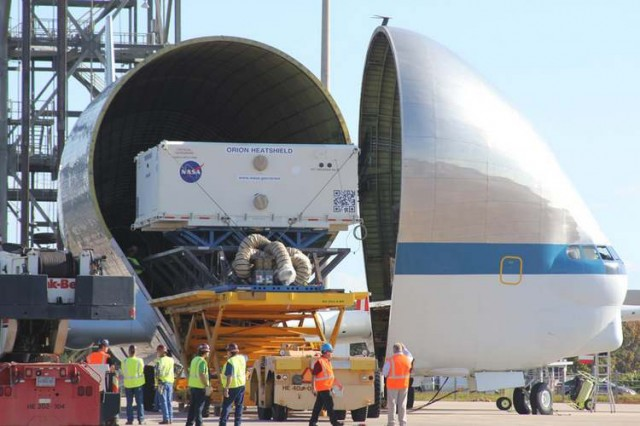 Orion Heat Shield transported by Super Guppy plane  2