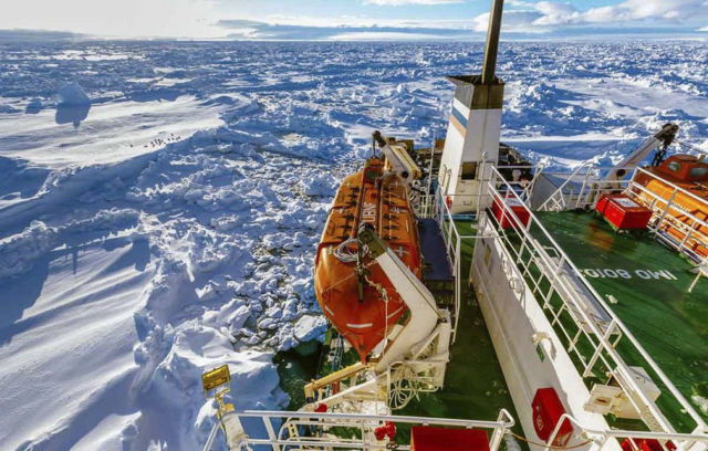 Rescue of stalled Antarctic ship in progress