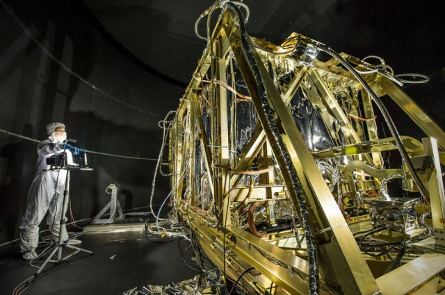 Spotlight on Webb Telescope Test