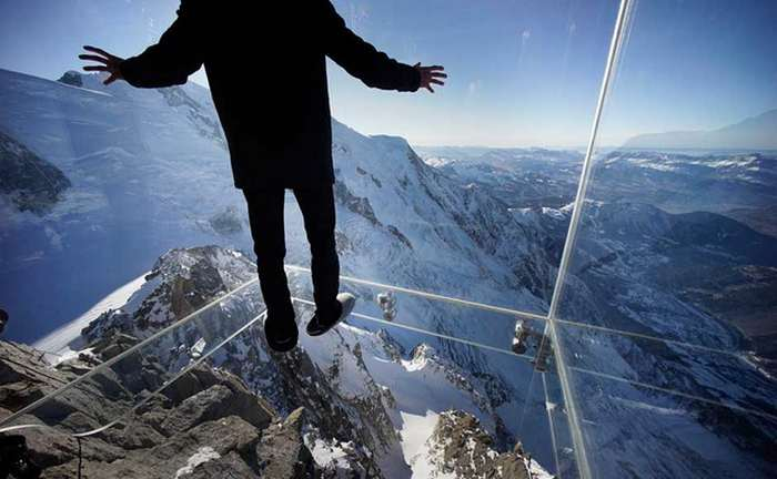 Step into the Void over the Alps 1