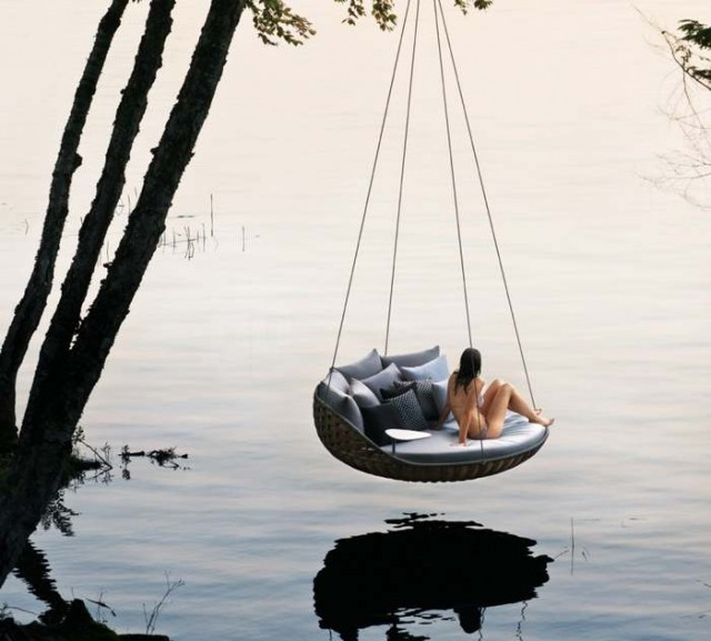 Swingrest hanging lounger by Daniel Pouzet 1