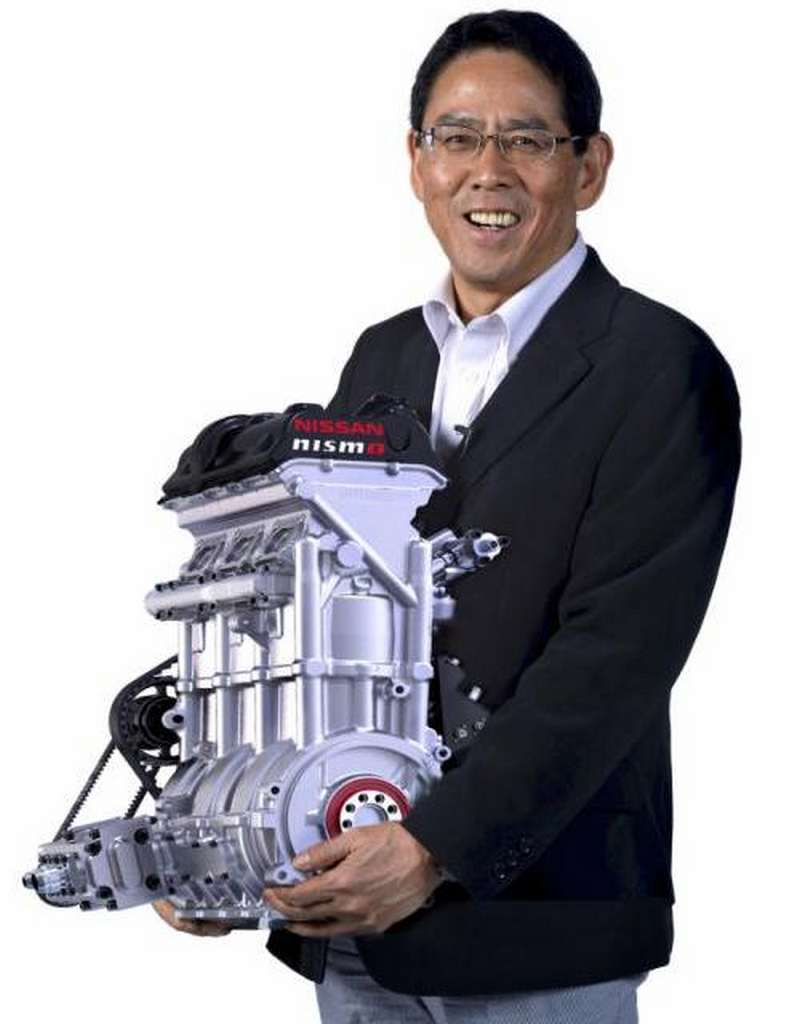 Nissan's Engine small enough to Carry (7)