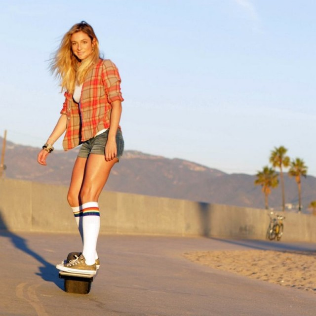 Self-Balancing Onewheel Electric Skateboard (2)