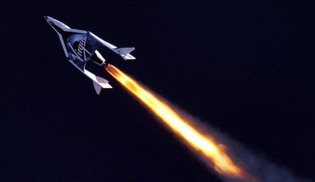 SpaceShipTwo breaks the Sound barrier 2
