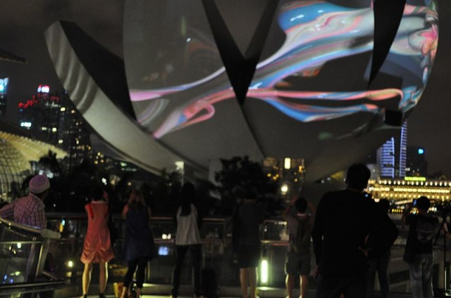 Projections onto Singapore art science museum by Naoko Tosa (2)