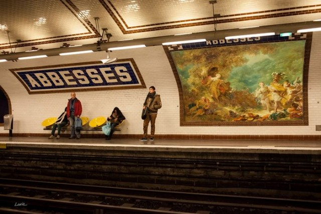 Artist replaces Billboard Commercials with Art in Paris (3)