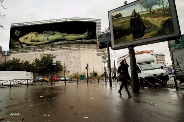 Artist replaces Billboard Commercials with Art in Paris (2)