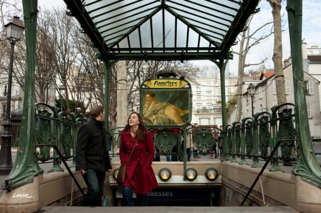 Artist replaces Billboard Commercials with Art in Paris (1)