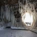Frozen caves Photography in Lake Superior