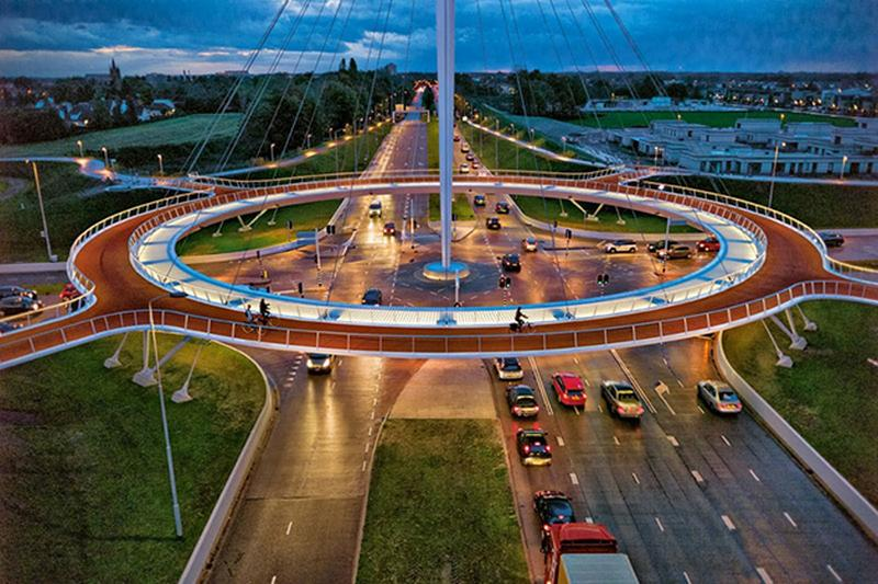 Spectacular Suspended circular cycle bridge (5)