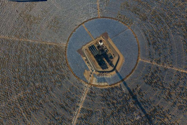 World's Largest Solar Thermal Plant is Online (4)