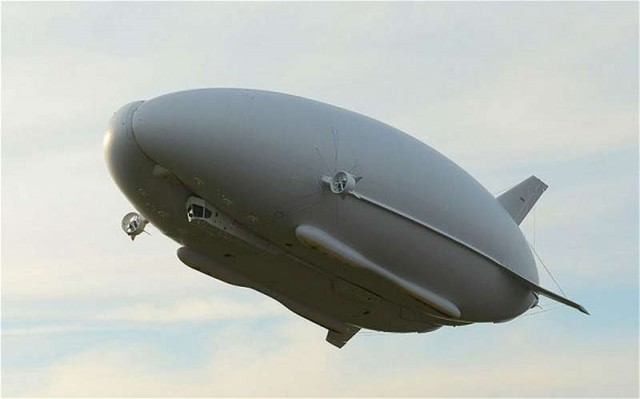 Airlander world's longest aircraft is unveiled (2)
