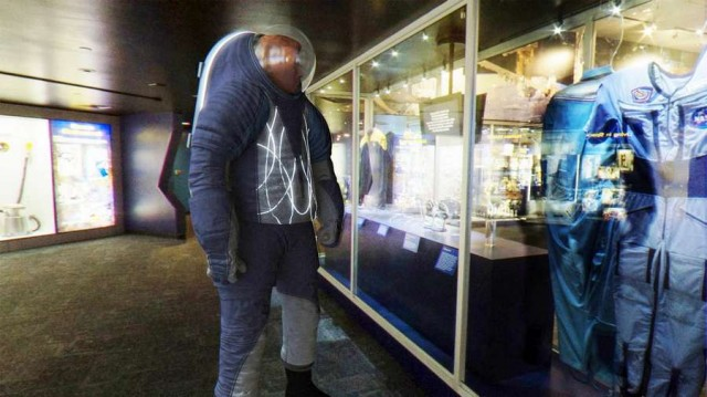 """The """"Biomimicry"""" spacesuit"""