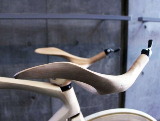Stunning Sculpted Wooden Bicycle (3)