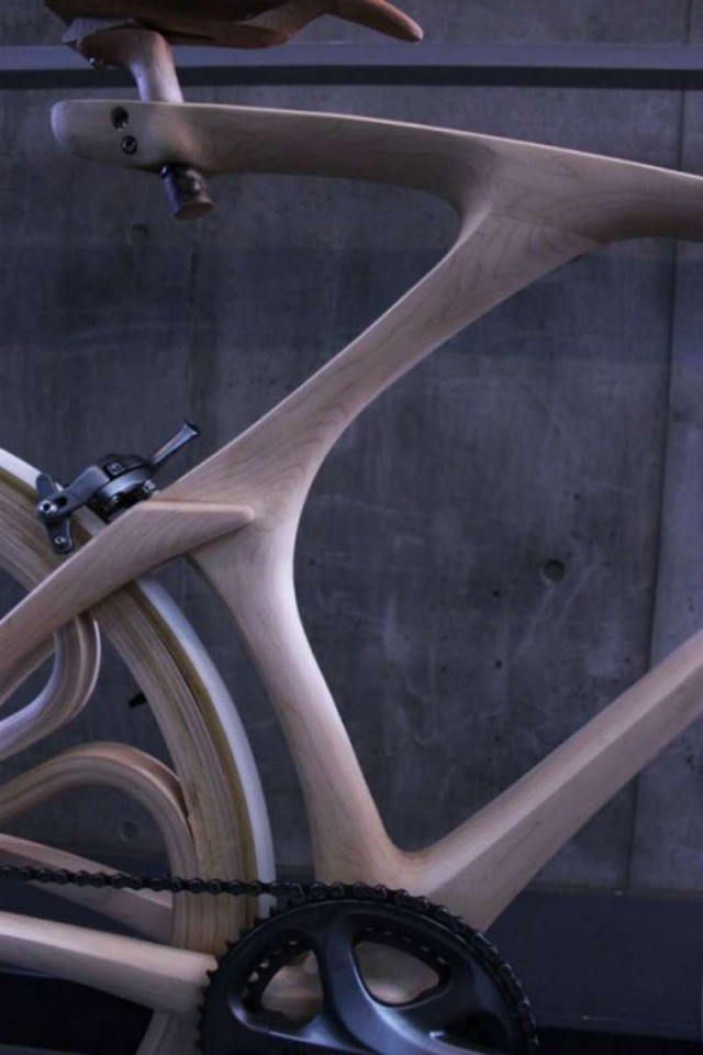 Stunning Sculpted Wooden Bicycle (2)