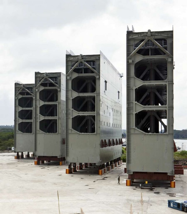 New Gates of the Panama Canal (4)