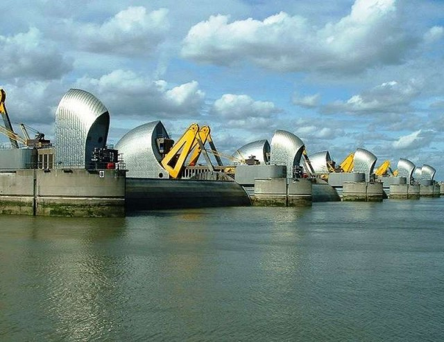 The Thames Barrier is keeping London safe and dry 1