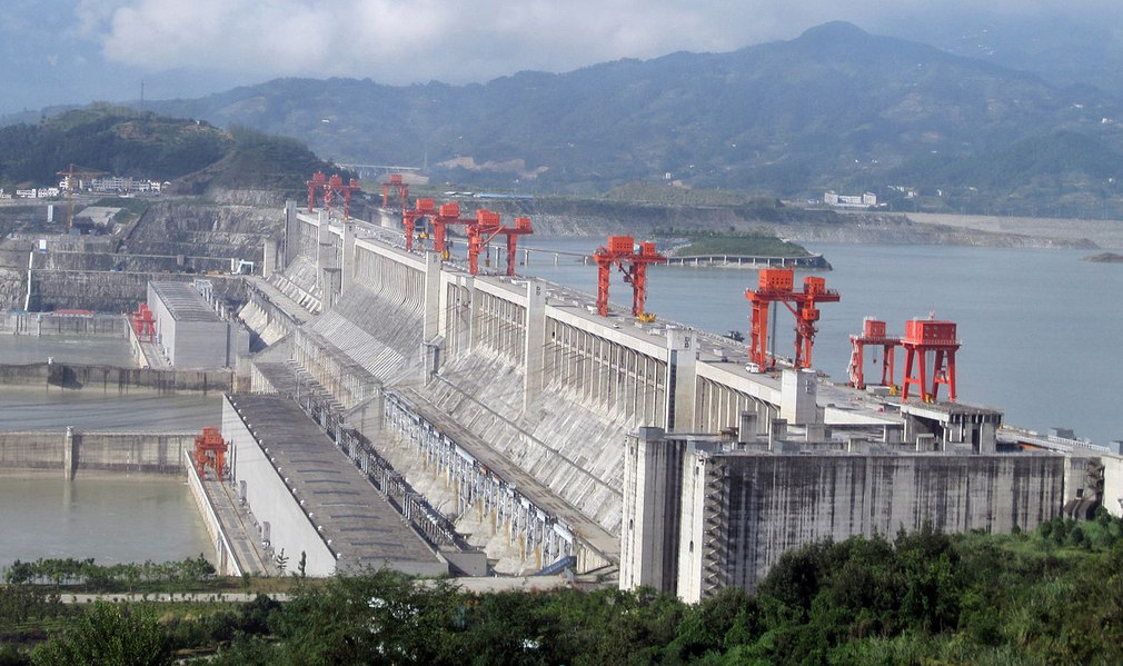 The biggest Hydroelectric Power Station in our planet (1)