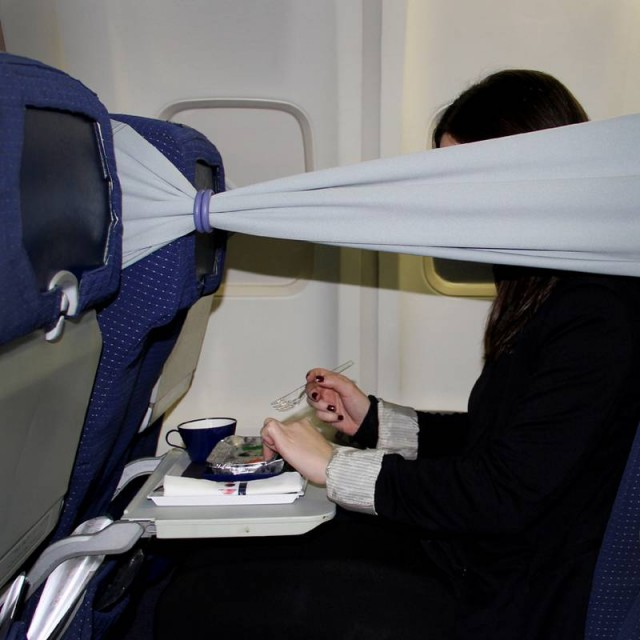 B-Tourist strip flight comfort (4)