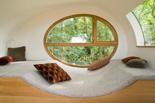 Rounded shape treehouse (3)