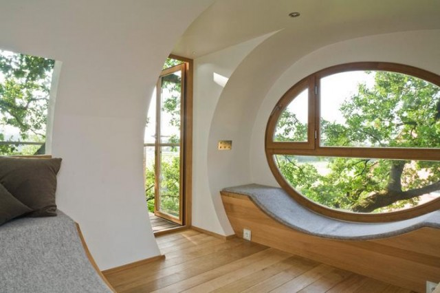 Rounded shape treehouse (2)