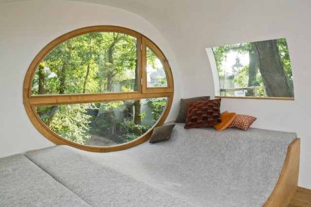 Rounded shape treehouse (1)