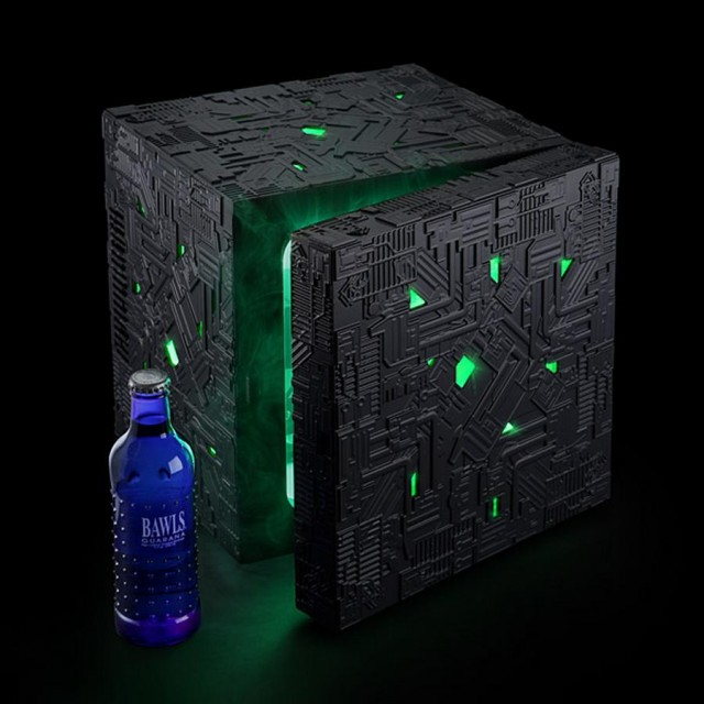 Borg Cube Fridge (3)