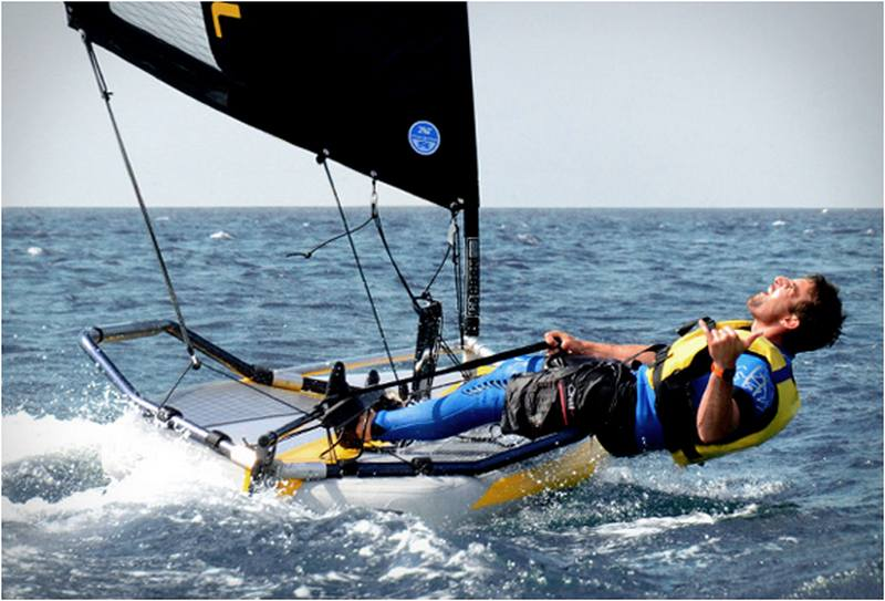Inflatable sailing dinghy (7)