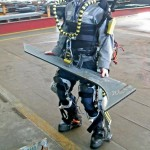 Exoskeleton suit gives workers incredible strength