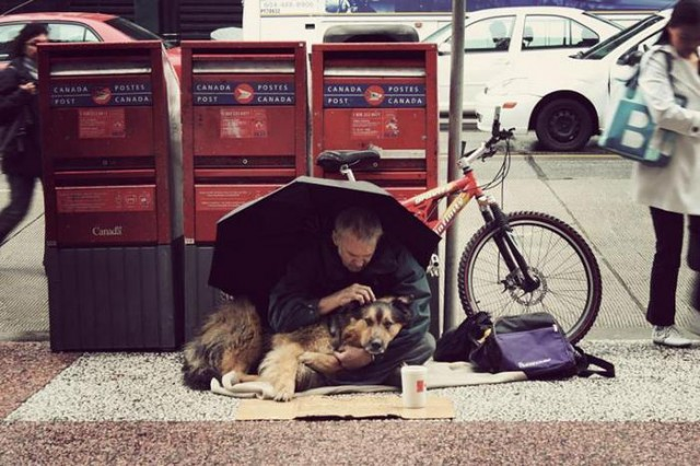 Homeless People and their Dogs (3)