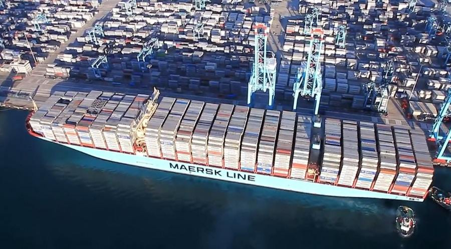 World's Biggest Cargo Ship can carry 17,600 containers