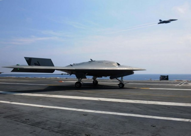 X-47B drone with F A-18 aircraft 3