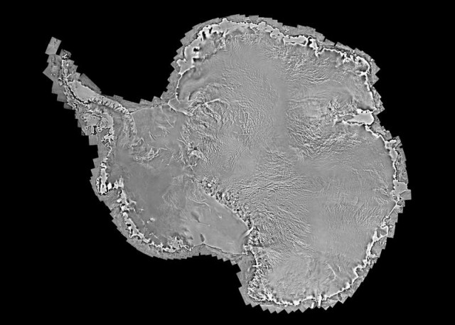 Antarctica by RADARSAT-2 satellite (2)