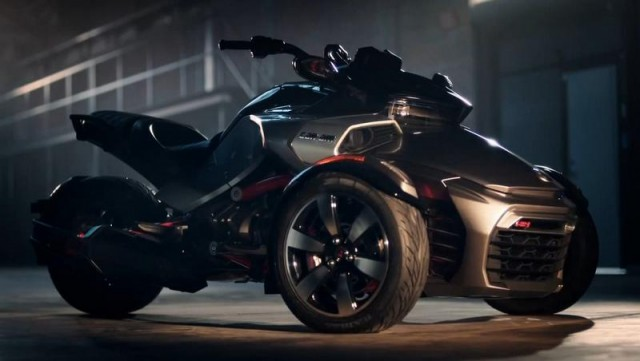 Can Am Spyder trike (1)