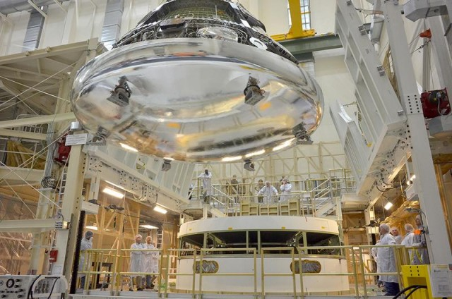 NASA Orion spacecraft (4)