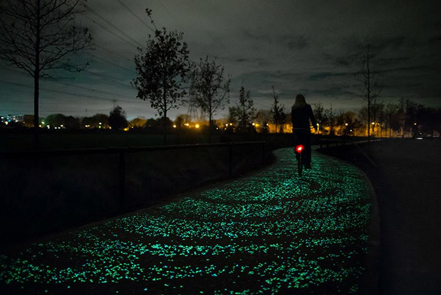Cycle path by Daan Roosegaarde (1)