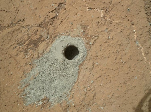 Curiosity finds organic compounds on Mars