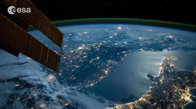 Earth timelapses from ISS (1)
