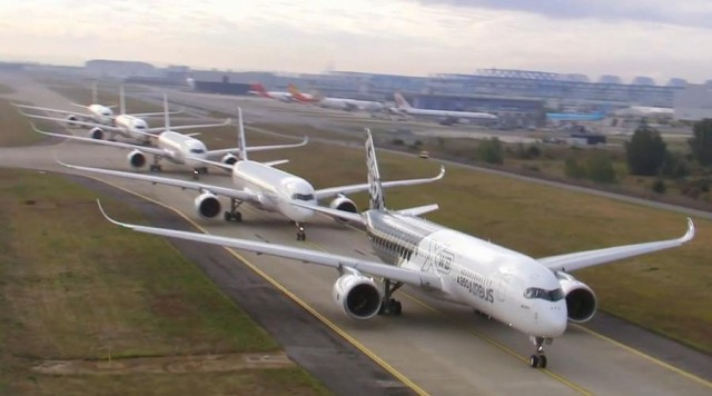 Five Airbus A350 (4)