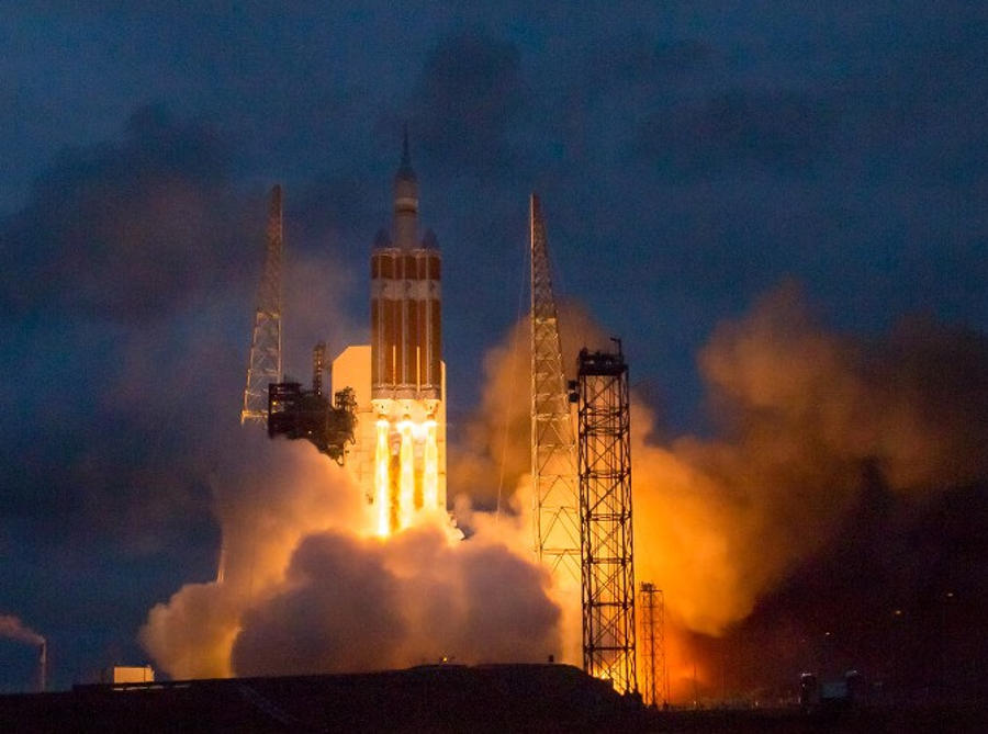 Orion lift off