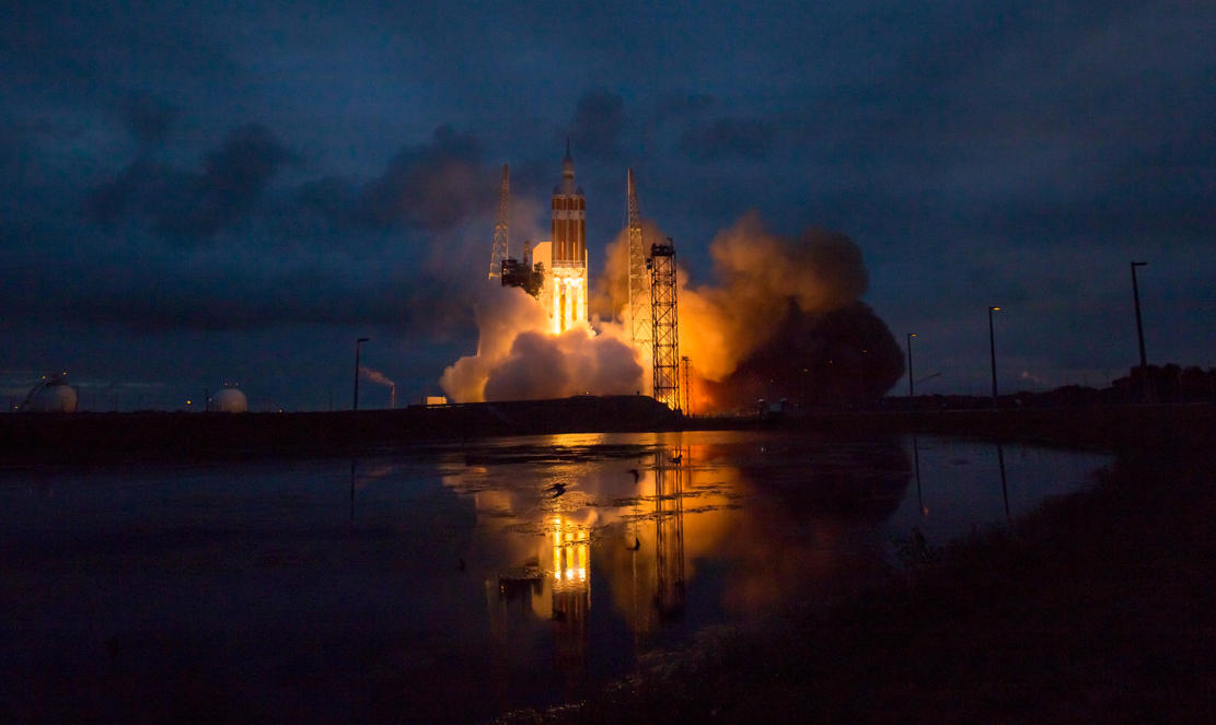 Orion lift off 2