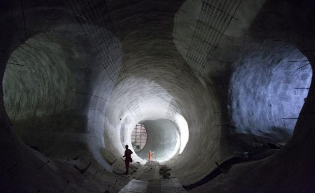 Crossrail London's subterranean network