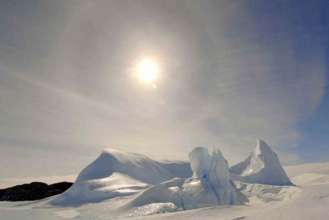thermal state of the Antarctic atmosphere