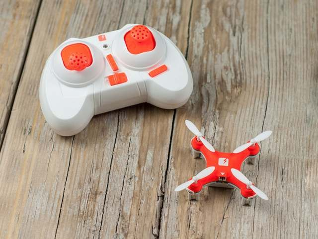 world's smallest quadcopter (3)