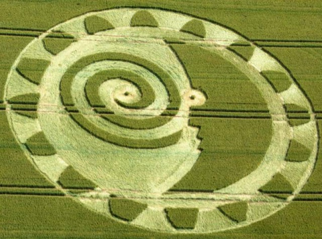 Crop Circle Hackpen Hill, near Winterbourne Bassett, Wiltshire, United Kingdom