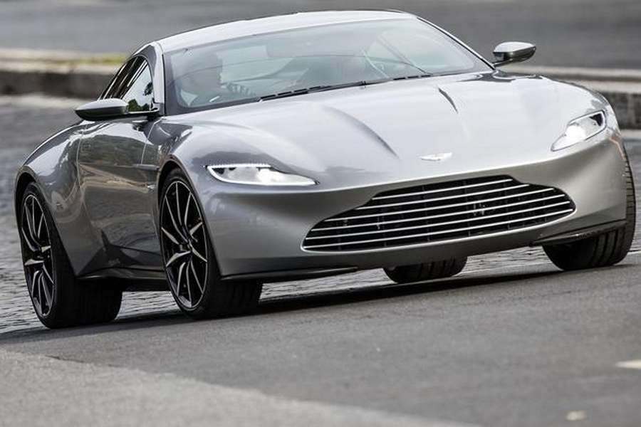 wordlesstech aston martin db10 in rome. Black Bedroom Furniture Sets. Home Design Ideas